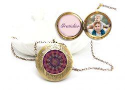 Colar Relicario Mandala Gratidão familia amor filhos pet